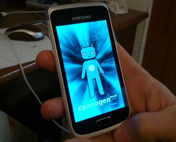 CyanogenMod 9 su Galaxy W GT-i8250